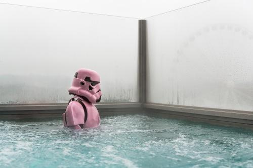 Pink Stormtrooper Sara Lo af Ekenstam